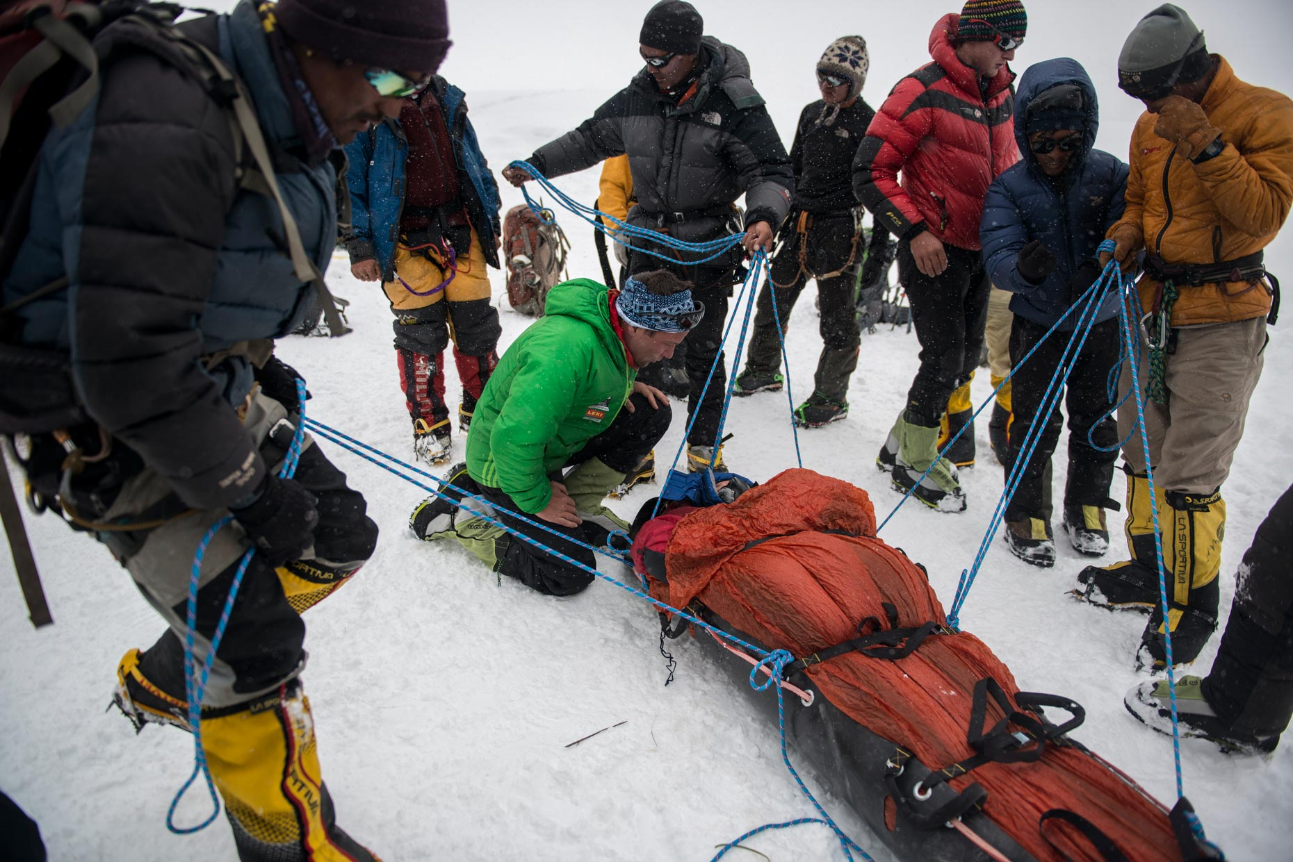A volunteer being rescued | The Himalayan Experiment for GEO magazine | Nepal | Stefen Chow
